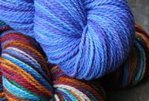 SPOTLIGHT YARN OF THE DAY / Spotlighting different colorways and yarns
