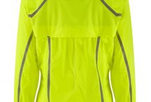 Gift Guide - Winter Running Gear  / The perfect gift guide for the runner in your life regardless of price range!