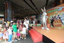 Define Avı / Marmara Forum, okul alışverişi döneminde dünyaca ünlü Looney Tunes kahramanlarına ev sahipliği yaptı. 7-15 Eylül arasında Marmara Forum'a konuk olan Bugs Bunny ve arkadaşları, küçük hayranları en yeni teknolojilerle Define Avı'na çıkıp hediyeleri kovalarken, onlara eşlik etti.