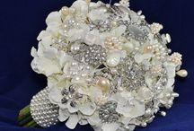 Bouquets: Brooch / by Cheryl Welke