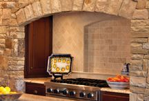 Kitchen Backsplash / A backsplash can be an important design element in any kitchen, often providing a focal point that helps define the room. Regardless of the style of your home, you'll find an endless variety of materials available in every possible color, shape and size.