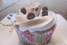 Cupcakes / by Tastefully Frugal