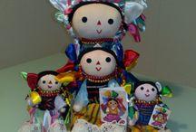 Muñeca de trapo mexicana / Que bonitas son las muñecas de trapo mexicanas, llenas de color, son una artesanía muy apreciada por los turistas