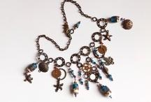 Necklace by Yeelen Spirit