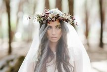 Wedding crowns and head accessories