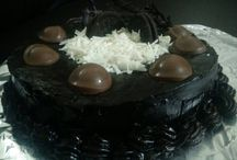 Homemade Cake Chocolaet / Home Based Bakery for delicious Egg-less Donuts, Bagel,Chocolates and Cakes at the price of pocket money.