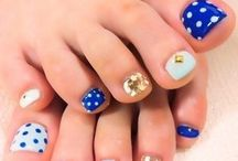 Toe nails / by Lia Urbina
