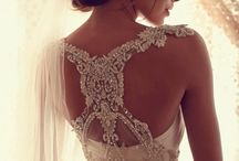Wedding Dresses / by Desiree Gomez