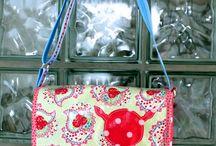 TRIXIE oilcloth bagpattern for beginners / Schnittmuster für Anfänger Stoff oder Wachstuch / Schnittmuster für eine kleine Umhängetasche, die in Wachstuch, Leder oder Filz eine gute Figur macht bagpattern for oilcloth, felt, leather or fabric
