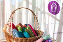 El mundo de la lana / En The Home Academy nos gusta trabajar con lanas naturales de bonitos colores, ¿te apuntas a hacer punto?