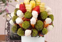 Meyve Çiçekleri  / meyve çiçekleri, fruits, flowers, strawberries, pineapple, apple, orange, carrots, kiwi, grapes, banana