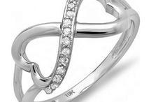 Jewelry / by Lindsay Torti