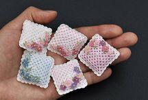 Crochet pillow miniture