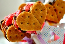 i ♥ food {heart shaped foods!} / Heart shaped food for Valentine's Day! :) / by Make Life Cute