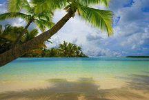 Beaches / by Mokkie Hamrer