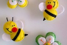 Felt bees with flowers