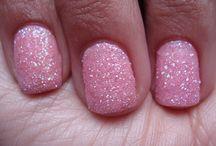 nails / by Katelynn Musetti