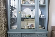 Display cabinet upcycled