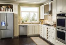 Kitchens / by Terry Hernandez