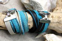 Armbanden / Alle armbanden van HanneHaves worden met veel zorg uitgezocht. De meeste armbanden zijn met de handgemaakt, maar soms komen wij een exemplaar tegen die wij niet kunnen weerstaan en vind je deze in onze collectie.