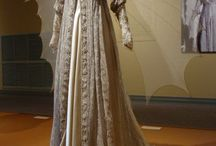 The Gown / Iconic dresses in history as well as my favourite tv series and movies.