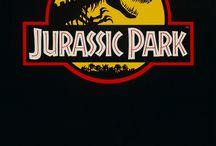 """Jurassic Park """" Films """" / Films célèbres de science fiction mettant en scène les humains et des animaux préhistoriques."""