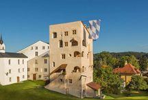 Reiseziele / Sechs exklusive Ferienwohnungen in Trostberg, im Herzen Bayerns, nur 15 min vom Chiemsee entfernt. Entdecken Sie die wunderschöne Landschaft des Chiemgaus und übernachten Sie in mittelalterlichem Ambiente.