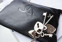 Bags & Belts / Bags & Belts all over! <3 / by Mille Kaffka