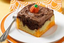 Poke Cakes / by Misty Manges