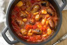 freezer/crockpot dinner foods  / by Christa Reynoso