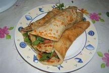 Pancake salati e dolci e rotoli dolci o salati