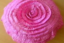 Round Throw Pillows/Cushions