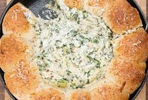 Gooey Cheese Appetizers / The not so healthy dishes that are perfect for entertaining and cheat days