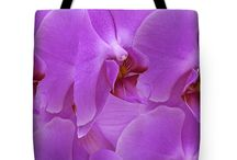 Tote Bags / Presents various options for the design of women's handbags