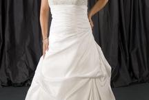 wedding dresses / by Kaylyn Marie