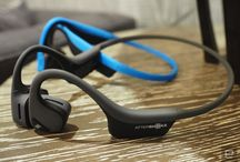 Trekz Air ™ / The next generation of bone conduction technology is here. Trekz Air is 20% lighter than Trekz Titanium. Equipped with a redesigned headband, Trekz Air is the bone conduction headphone designed for athletes.