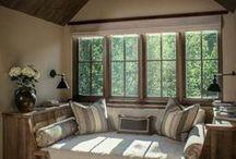 Скамья под окно в комнату