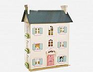 Favorite Doll Houses / by Autumn Brown