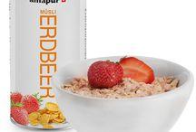Gesunde Müslis / Knusprig abnehmen leicht gemacht! Oft fällt das Frühstück im alltäglichen Stress aus. Doch mit einem gesunden Frühstück ist der Mensch leistungsfähiger und konzentrierter! Schon mit einer kleinen Schüssel amapur Müsli zum Frühstück ist der Körper bestens gegen Stress, Blutzuckerschwankungen und Leistungsdefizite gewappnet. Dadurch fällt auch das Abnehmen leichter.