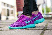 "Nike Roshe One Flight Weight (GS) ""Hyper Violet"" (705486-502)"