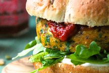 Foodz - Burgers!  / Homemade vegetarian & Vegan burgers