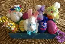 Easter Eggs / Decorating Easter eggs for kids craft / by Mimi Nikolova
