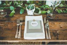 Liście wzdłuż stołu