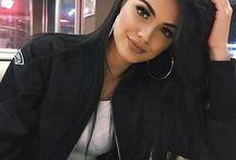 Latinas make up