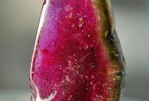 Earth Treasures / Crystals, Minerals, Gems