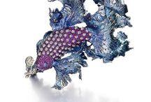 Motif jewelry, etc. / モチーフが明解なデザイン物