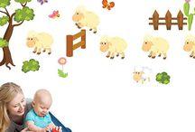 Adesivi murali bambini / Adesivi murali bambini per camerette, arredare il loro spazio con colori ed allegria.
