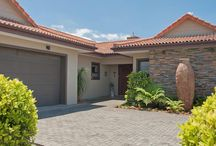 Sole Mandate: 199 Earls Court - Heather Park / Four Bedrooms + 4 Bathrooms Open-plan kitchen, scullery and laundry Open plan lounge / dining room Indoor built-in braai Covered patio with double garage Mountain views   Asking Price:  R2 750 000