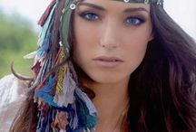 Headdress of recycled rugs