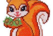 вышивка белочки лисички